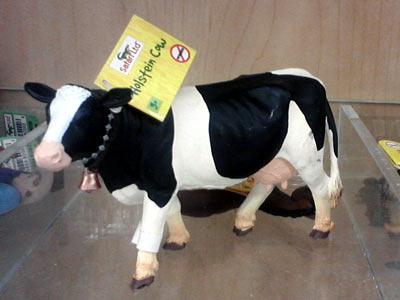 Holstein cow from Safari Ltd