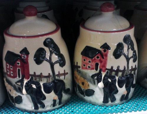 Kitchen jar with dairy cows