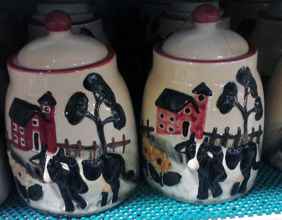 Kitchen jar with dairy cows