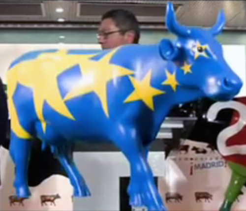 Madrid cow parade - European flag cow