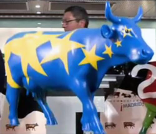 Madrid cow parade - European flag cow