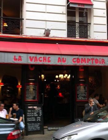 La vache au comptoir cafe brasserie in Paris