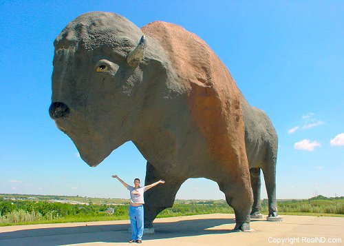 World's largest buffalo in Jamestown, North Dakota