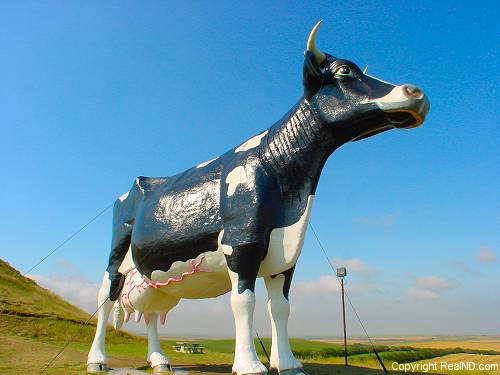 Salem Sue Holstein cow statue in New Salem, ND